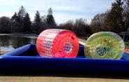 Der ultimative Wasserspaß mit den Funbällen und Wasserwalzen